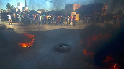 Haiti protesters clash with police over oil prices