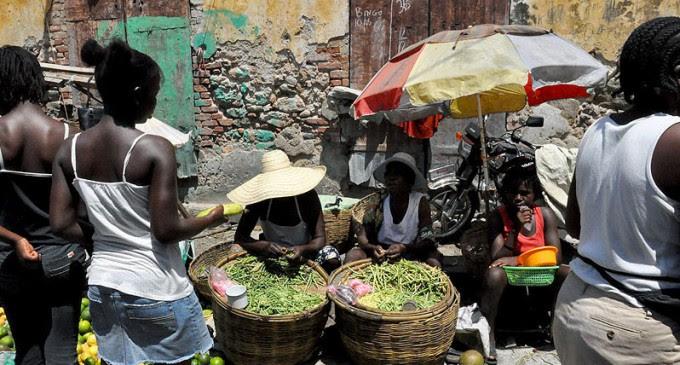 Mujeres - Mercado  Martinelli