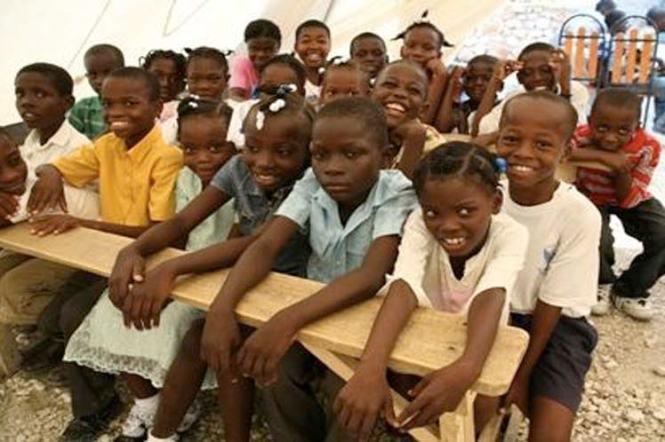 z-ninos-haiti-escuela-impro